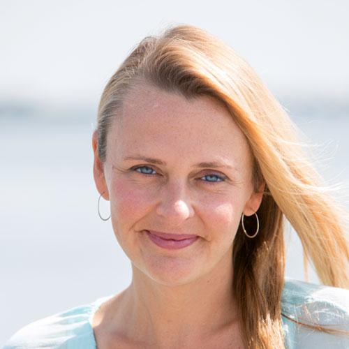 Dr. Erin Passow